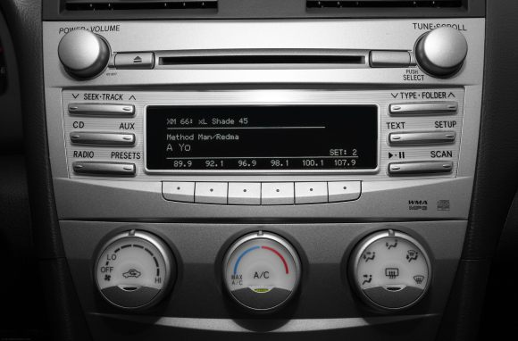 2010-Toyota-Camry-Sedan-Base-4dr-Sedan-Interior-Stereo-Controls