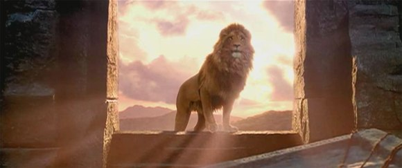 aslan_in_window