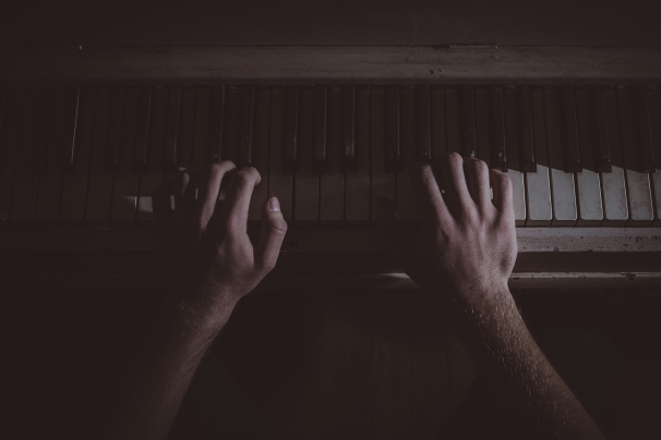 hands-music-musician-piano.jpeg